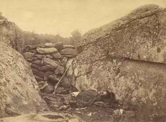 《叛军狙击手的归宿,葛底斯堡》,加德纳,1863年