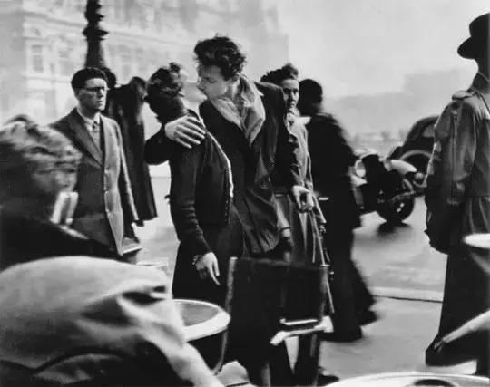 《市政厅前的吻》,罗伯特·杜瓦诺,1950年