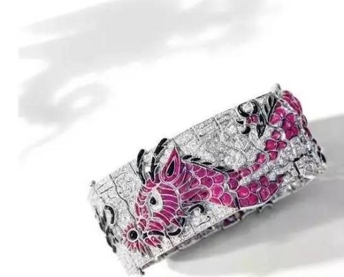 宝石配钻石手链