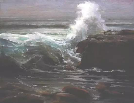 海浪拍打礁石