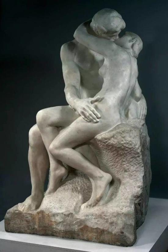 奥古斯特・罗丹,《吻》,大理石,1882年,现藏于巴黎罗丹博物馆(Musée Rodin,Paris),图片:巴黎罗丹博物馆
