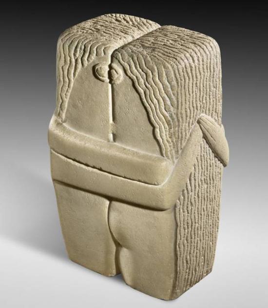 康斯坦丁?布朗库西,《吻》,石灰石,1916年,现藏于美国费城艺术博物馆(Philadelphia Museum of Art)。图片:美国费城艺术博物馆