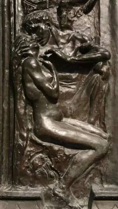 在《地狱之门》上的保罗和弗朗西斯卡的浮雕。图片:VPC Photo / Alamy Stock Photo