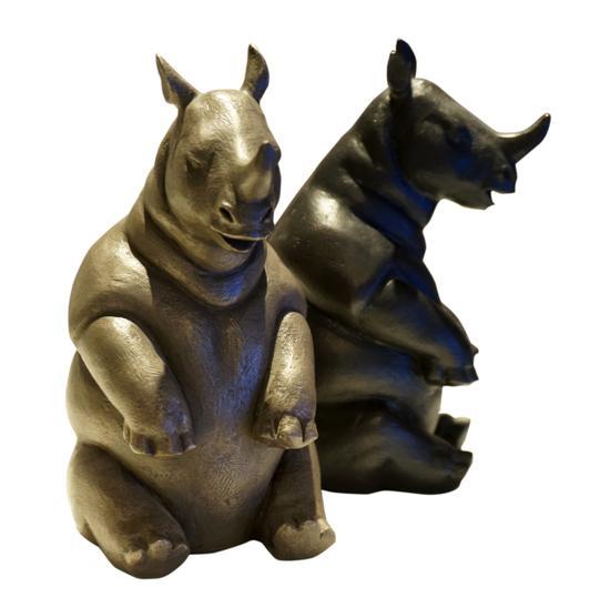 史雪亮 福犀牛 尺寸:高15宽8长9 材料:青铜铸造化学着色