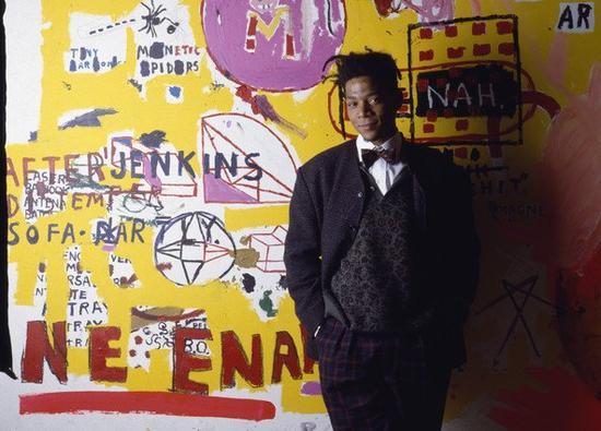 纽约涂鸦艺术家 Jean-Michel   Basquiat,后来成为一位成功的 80 年代