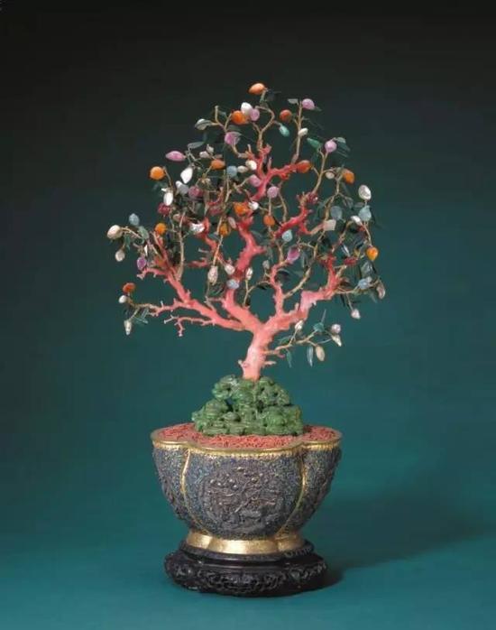 银累丝海棠花式盆珊瑚桃树盆景,清中期,造办处造,通高69cm,盆高21cm