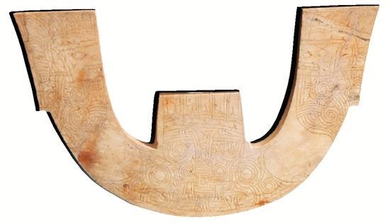 玉三叉形器 良渚博物院藏 1987年浙江省杭州市余杭区良渚街道 瑶山遗址M7出土