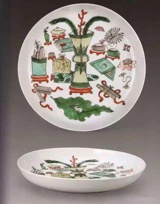清康熙五彩博古纹盘(故宫博物院藏)