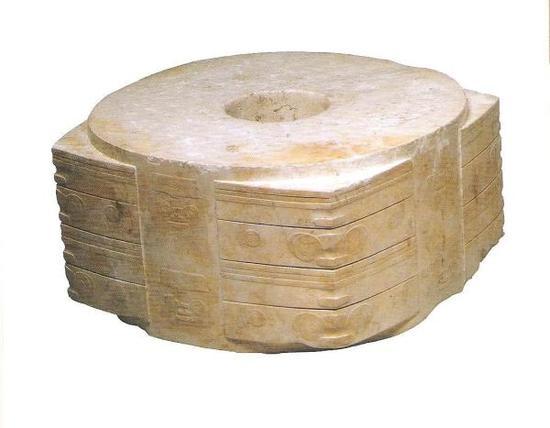 """良渚王陵出土的""""玉琮王"""",重达6.5公斤"""