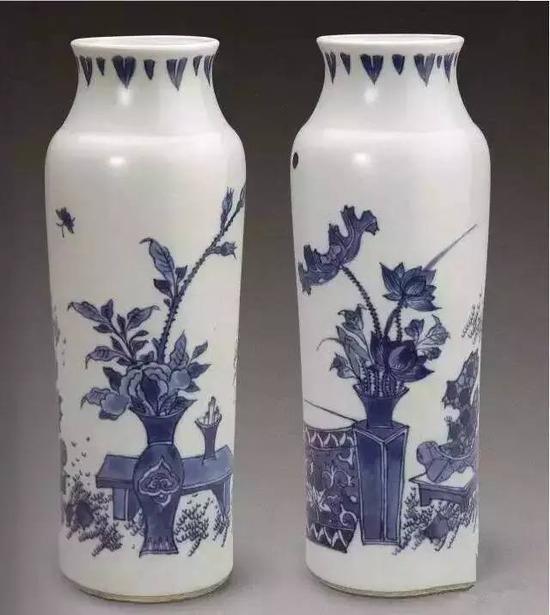 清顺治青花博古纹桶瓶(故宫博物院藏)