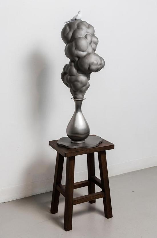 《出神记 · 燕寓》 莫一新    不锈钢 , 102cm×40cm×29cm ,2013