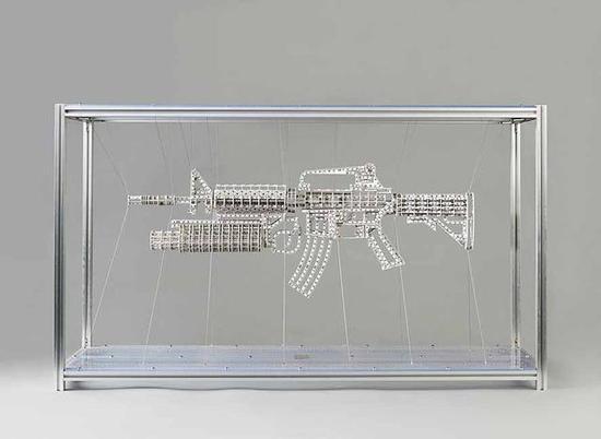 《度量21克》 占研    PVC板材、铝合金型材、钢丝等    101cm×58cm×31cm ,2014