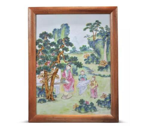 清乾隆 粉彩清装仕女婴戏图瓷板挂屏