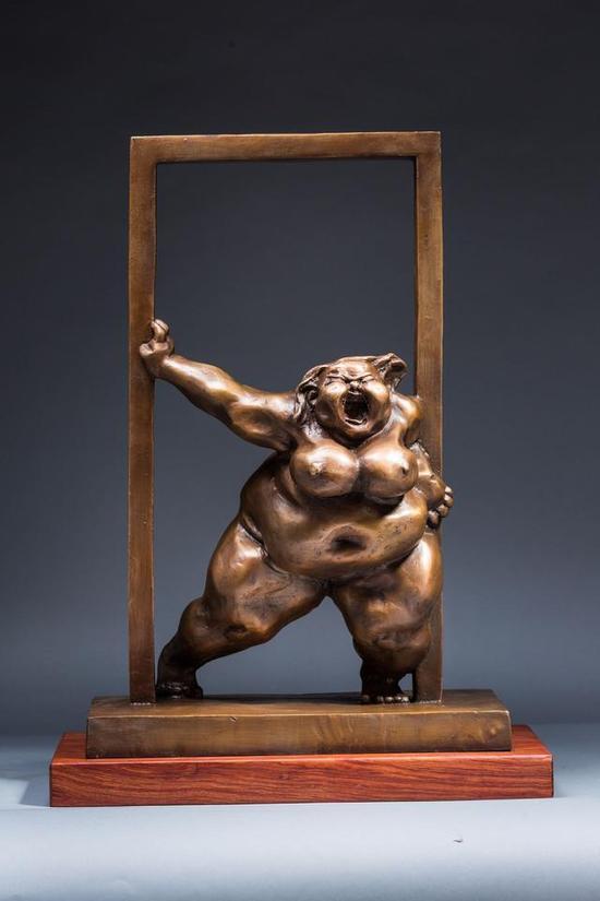 《没门 》 许鸿飞    铸铜 ,37cm×21cm×55cm , 2015