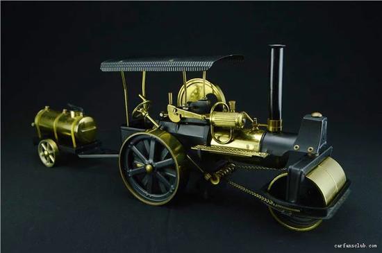 当年最想得到的一个可蒸汽结构运转的压路机(图片来源:东晓车迷世界)