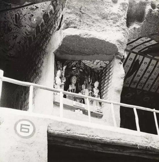 第250窟神龛