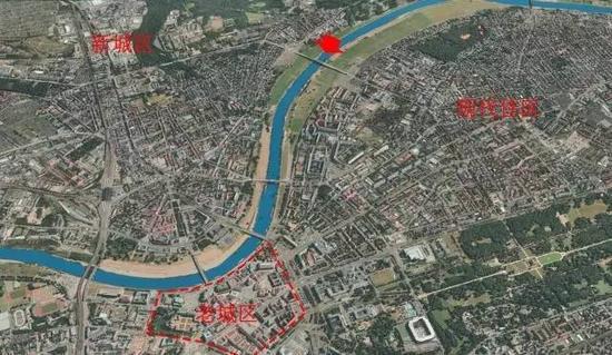 瓦尔德施略欣大桥(箭头所指)与德累斯顿城区、郊野河道的位置关系。