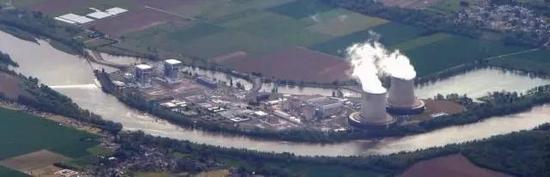 圣劳朗核电站俯瞰。