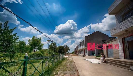 ▲熊庆华拍摄的天空 图片来源:红星新闻