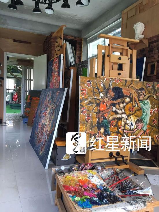 ▲熊庆华的画室一角 图片来源:红星新闻