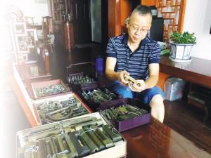 17年收藏1.1万把古铜锁他想建一家锁博馆