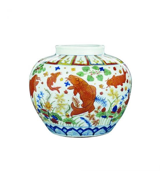 明嘉靖 五彩鱼藻纹大罐 估价: 900.00-1,500.00万