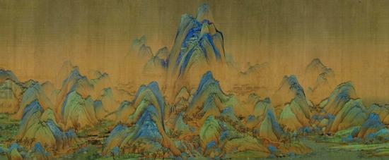 《千里江山图》的中间位置有异峰突起,几乎抵到画幅上沿。