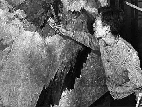 1979年春为人民大会堂创作巨幅油画《长江三峡》