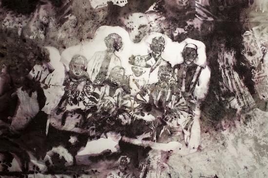 《河流》,2017。火药、画布,3 x 20 m。作品细节。Tatiana Gontan摄,普希金国家艺术博物馆提供