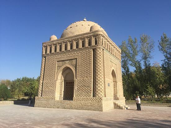 位于布哈拉的萨曼王朝统治者Ismoil Samoniy陵墓,建于十世纪初(照片及说明由作者提供,摄于2015年)