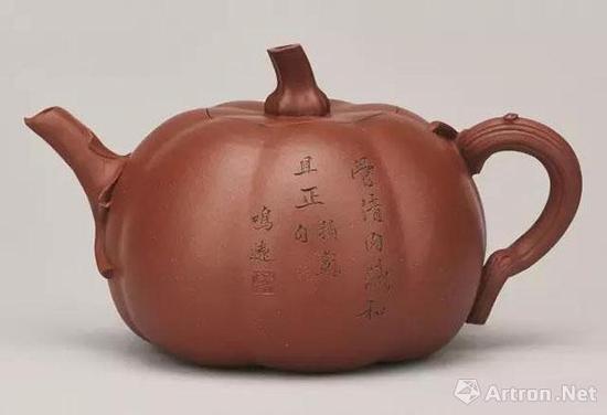 清康熙 陈鸣远制南瓜壶 宽17.8cm 2016.5.15中国嘉德 成交价RMB32,200,000