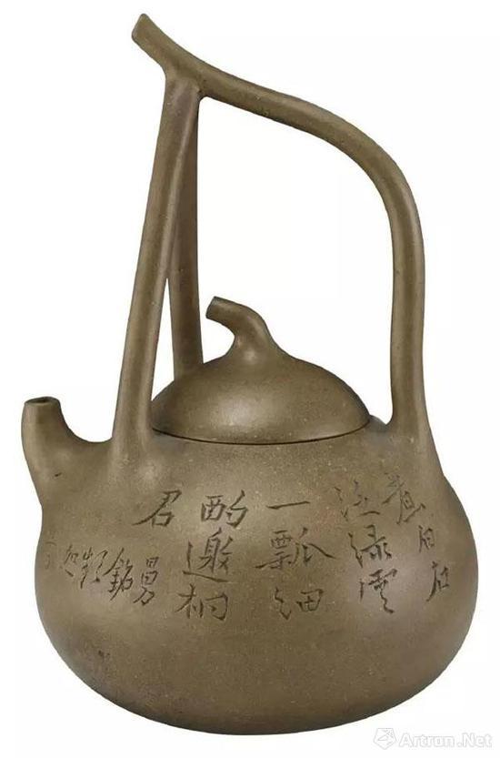 清 曼生铭提梁紫砂壶 高18.35cm 上海博物馆藏