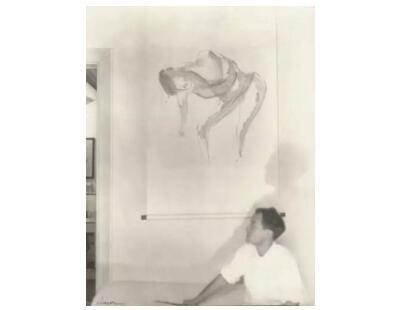 野口勇于北京系列作品前,纽约Demotte画廊