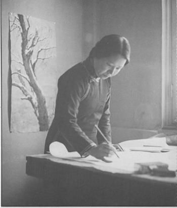 1938年 方君璧于画室创作