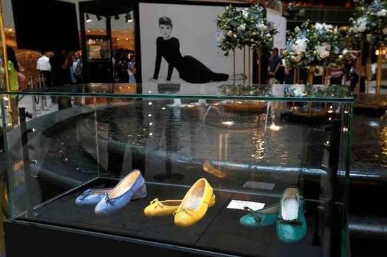 奥黛莉赫本穿过的鞋子