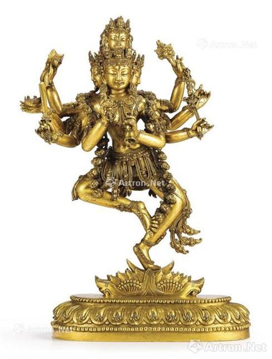 明宣德 鎏金铜四面八臂金刚瑜伽女立像 36.1cm 成交价:2991.2万港币