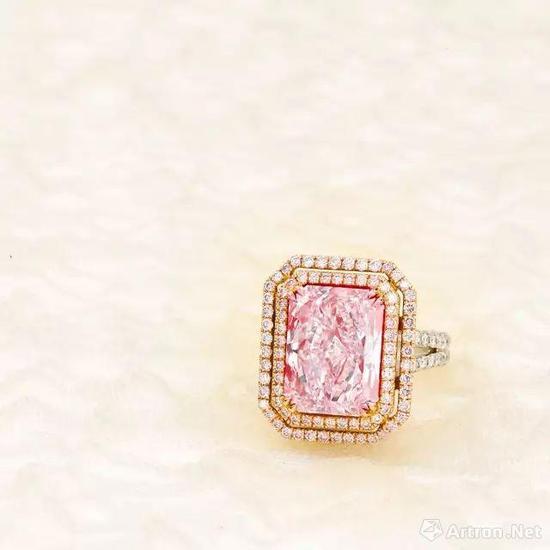2707万港币成交的超级亮眼钻石戒指