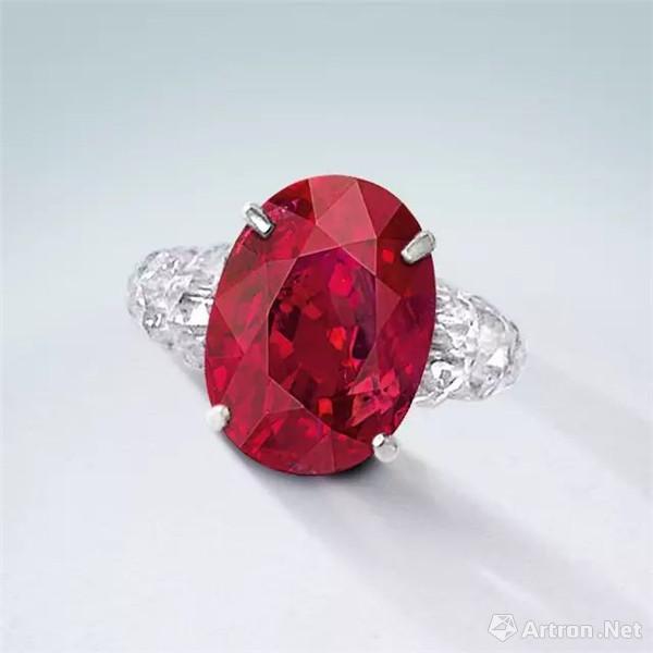 """""""缅甸鸽血红""""红宝石配钻石戒指 成交价:8170万港币"""