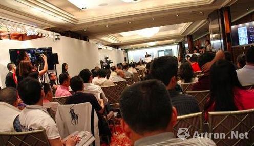 中国嘉德(香港)2012年首拍现场