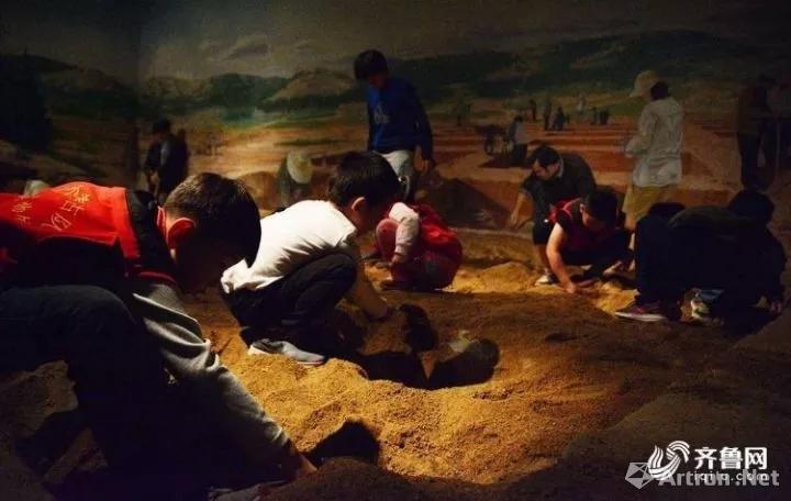 """山东博物馆成了孩子们的""""聚集地"""""""