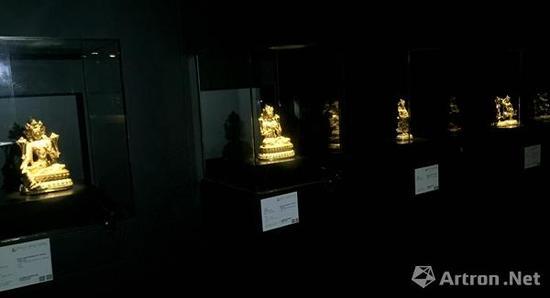 清�艄阊稀�重要藏家珍藏永乐宫廷造像 预展现场