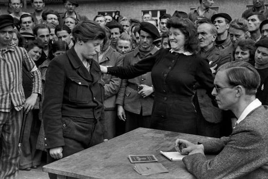 德国一位隐藏的纳粹分子被举报出来,布列松,1945年