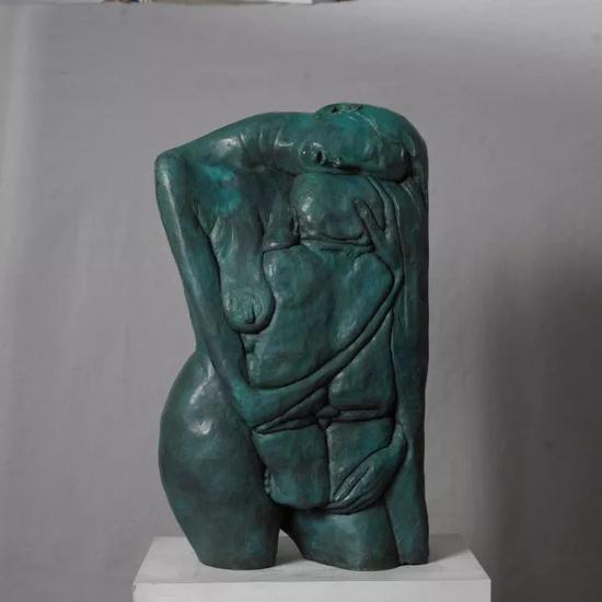 《母与子》之十二(线刻)   铜   46x22x79cm 2007年