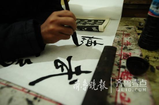 书法、音乐几乎占据了刘柱的全部业余生活