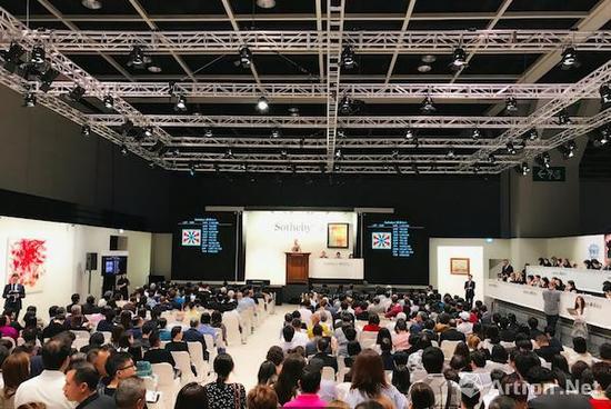 香港蘇富比亚洲现当代艺术晚间拍卖现场