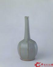 越窑青釉八棱瓶