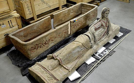伊特鲁里亚石棺被视为「极罕见的无价宝」。 图片来源:Geneva Public Ministry