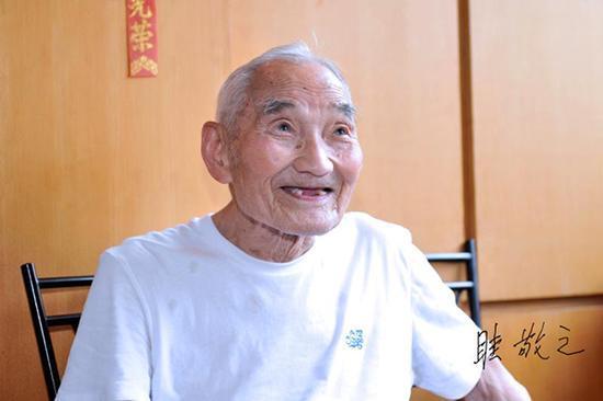 103岁老人眭敬之。本文图均为万俊 图