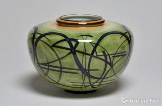 《更索里瓷瓶》 斯尔沃特 高18cm,直径27cm 瓷器 图片来源于杜梦堂