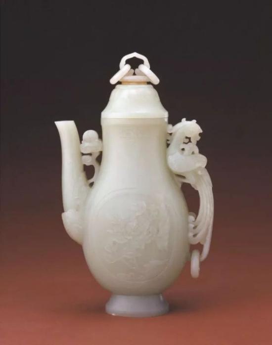 清 青玉凤柄执壶 北京故宫博物院藏品